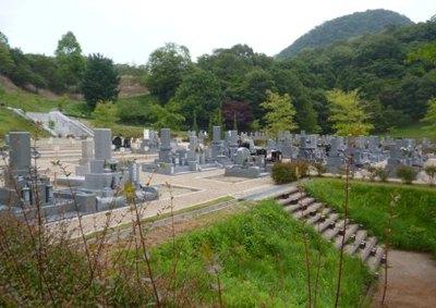 宝塚すみれ墓苑2.jpg