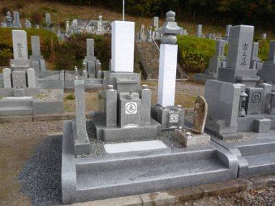 隣&後の墓石修正.jpg