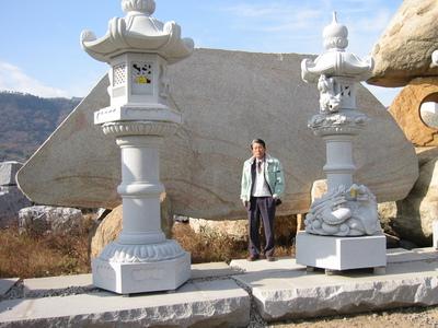 犬島記念碑の買い付け.JPG