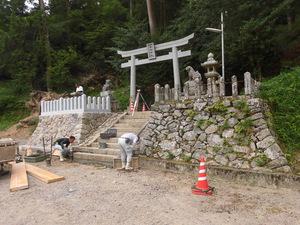 左近神社80.JPG