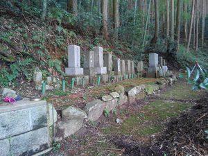 20190703擁壁(墓石)1.jpg