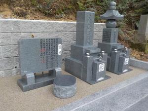 20190703擁壁(墓石)9.JPG